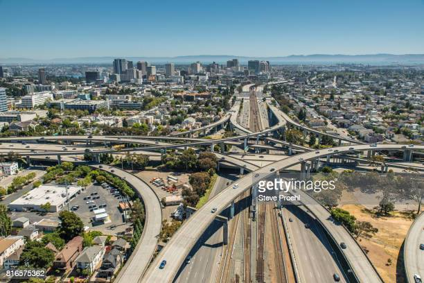 oakland ca - oakland california skyline stock pictures, royalty-free photos & images