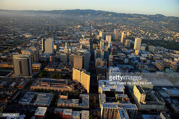 oakland cailfornia - oakland california skyline stock pictures, royalty-free photos & images