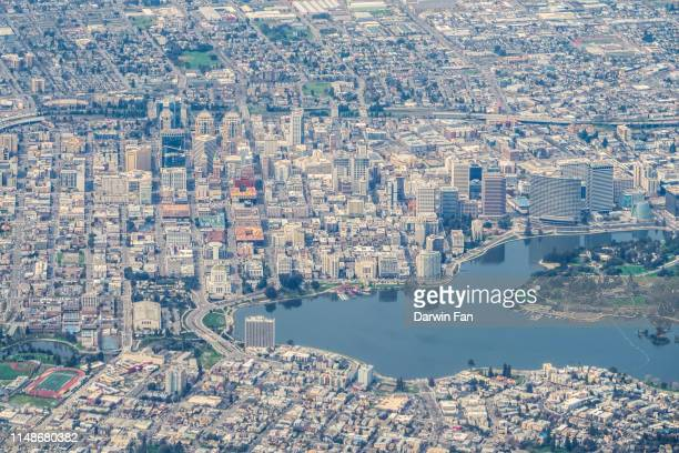 oakland california skyline - oakland california skyline stock pictures, royalty-free photos & images