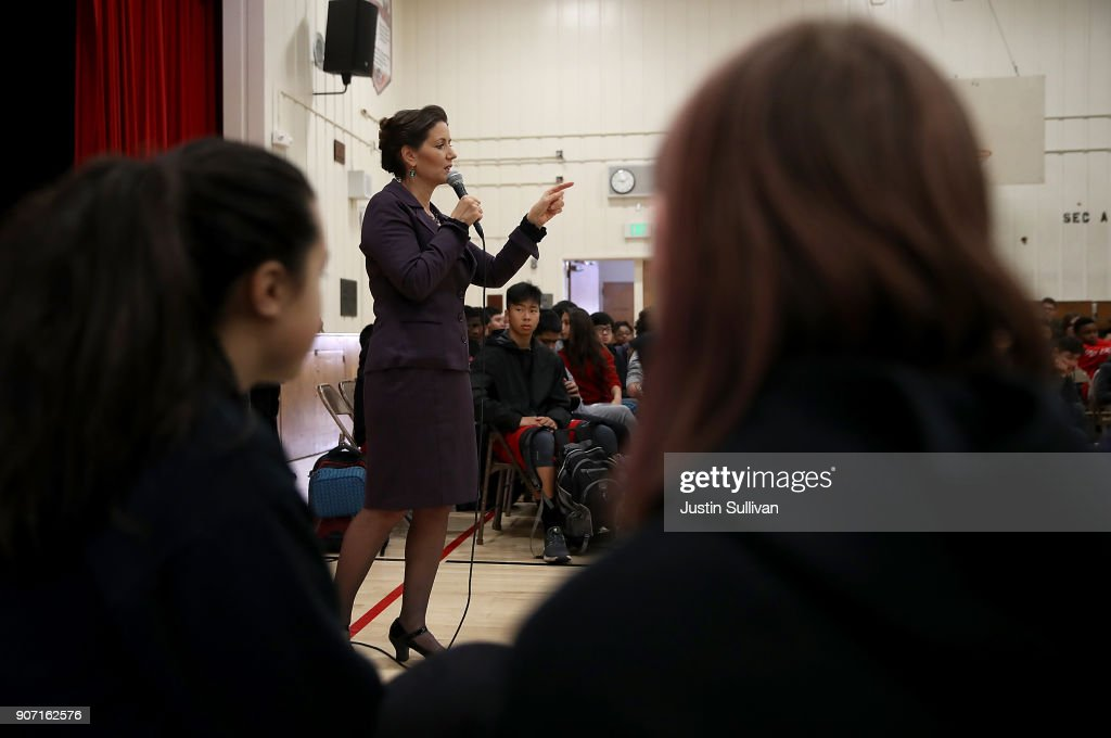 Oakland Mayor Libby Schaaf Discusses U.S. Constitution With School Children