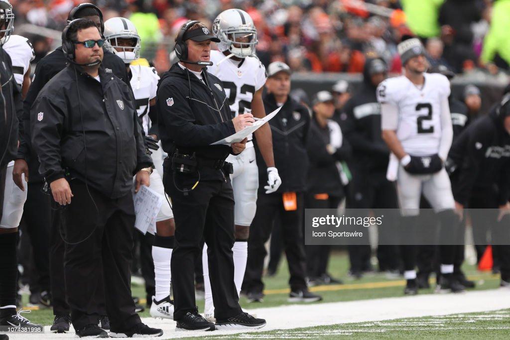 NFL: DEC 16 Raiders at Bengals : News Photo
