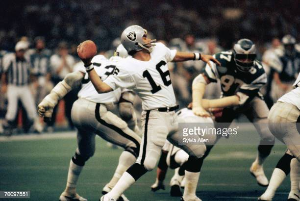 Oakland Raiders quarterback Jim Plunkett, the game's MVP, prepares to pass against the Philadelphia Eagles during the Raiders 27-10 victory in Super...