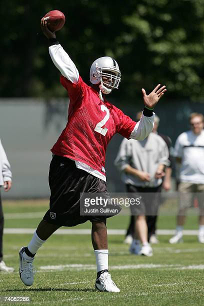 Oakland Raiders rookie quarterback JaMarcus Russell throws a pass during the second day of the Oakland Raiders mini-camp May 5, 2007 in Alameda,...