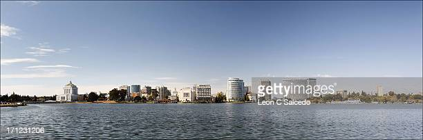 oakland skyline - oakland california skyline stock pictures, royalty-free photos & images