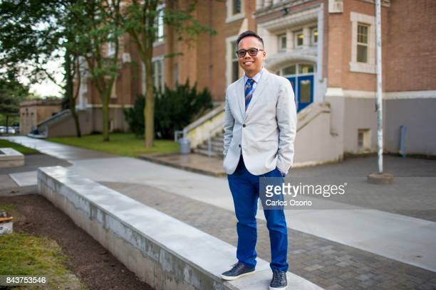 TORONTO ON SEPTEMBER 5 Oakwood Collegiate principal Steve Yee This year Oakwood ended all applied courses for Grade 9's so there is no streaming for...