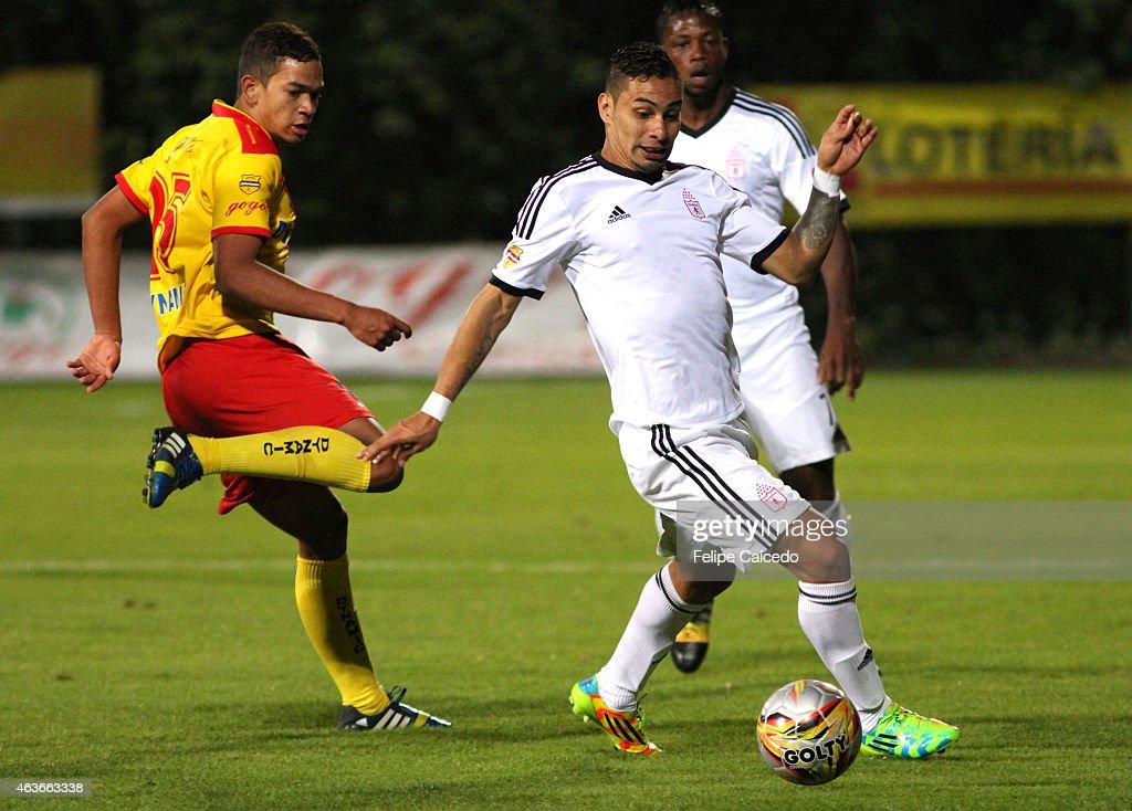 Bogota FC v America de Cali - Torneo Aguila I - 2015 : News Photo