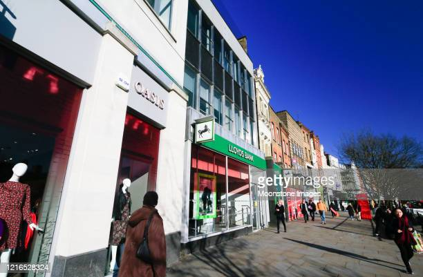 oasis in islington, london - womenswear stock pictures, royalty-free photos & images