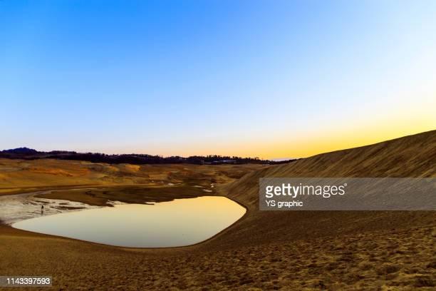 oasis of tottori sand dunes in japan - 鳥取県 無人 ストックフォトと画像