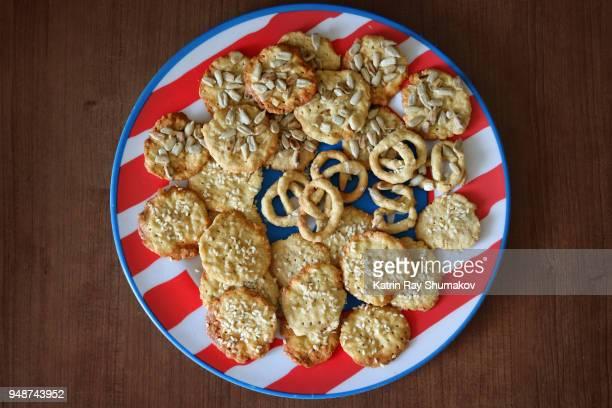 Oat Crackers & Pretzels - Gluten Free