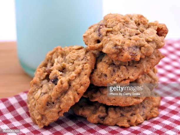 homemade oatmeal cookies milk