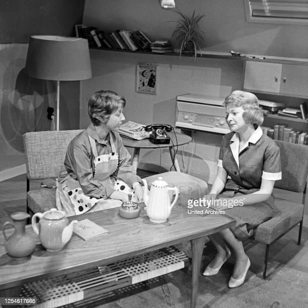 Oben und unten, Fernsehserie, Deutschland 1960 - 1961, Regie: Siegfried Oswald Wagner, Darsteller: Lilly Towska , Ursula Dartsch.