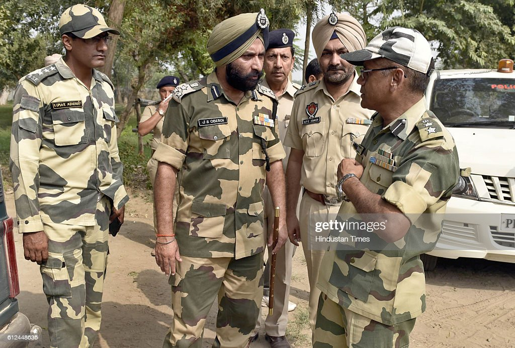 DIG BSF JS Oberoi SSP Amritsar HPS Khakh SP Sandeep Sharma after giving the information to media regarding Pakistani boat captured from Ravi River...
