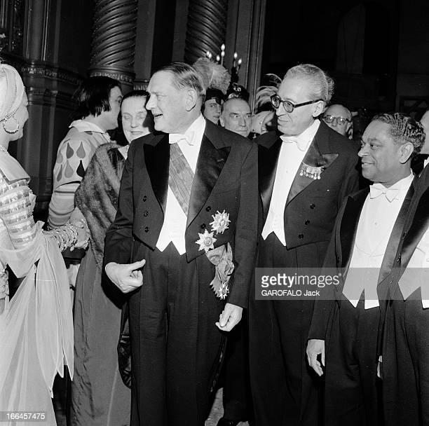 Oberon Gala At Paris Opera. Paris, février 1954, 'Obéron, ou le Cor magique', l'opéra romantique et féérique du compositeur allemand Carl Maria von...