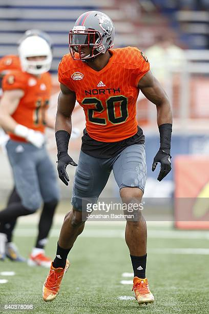 Obi Melifonwu of the North team warms up during the Reese's Senior Bowl at the LaddPeebles Stadium on January 28 2017 in Mobile Alabama