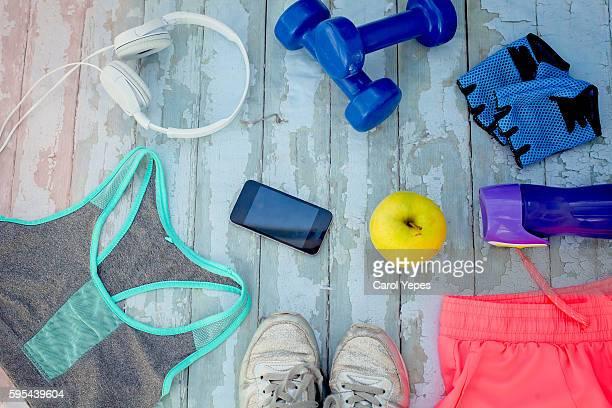 objects for workout - aparatos para hacer ejercicio fotografías e imágenes de stock