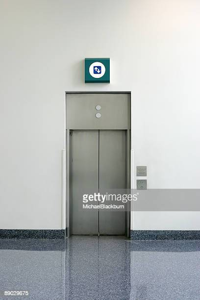 Objects - Simple Isolated Elevator