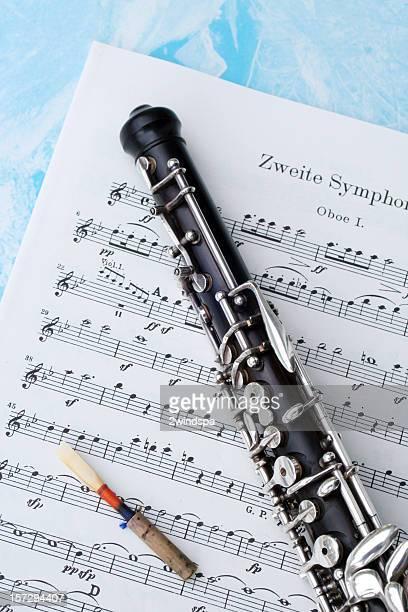 oboe, musik und reed - oboe stock-fotos und bilder