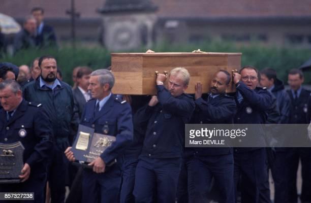 Obseques du gardien de prison Marc Dormont mort durant l'evasion de la Centrale de Clairvaux le 14 septembre 1992 a Thilleux France