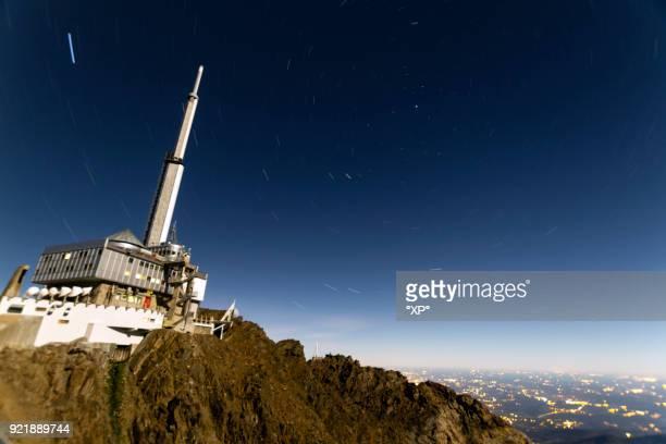 observatoire pic du midi de bigorre - bagneres de bigorre stock pictures, royalty-free photos & images
