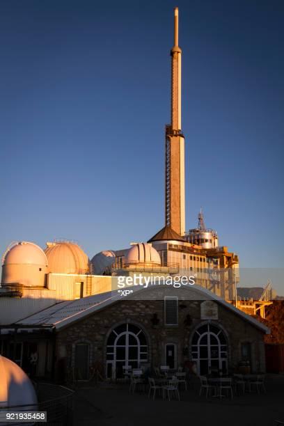 observatoire pic du midi de bigorre - バニェールドビゴール ストックフォトと画像