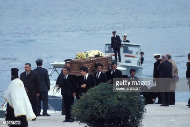 Obsèques d'Aristote Onassis sur l'île de Skorpios le 18 mars 1975 en Grèce