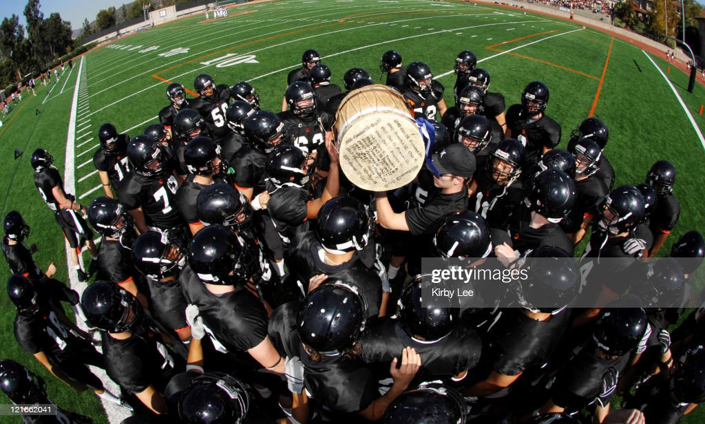 Occidental College Players Hoist The Drum After 38 23 Victory