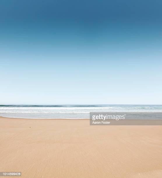 ocean beach - plage photos et images de collection