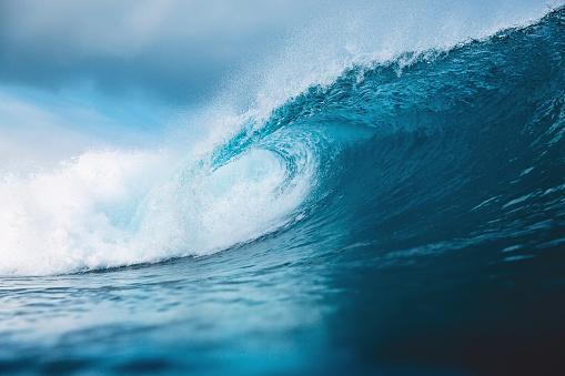 Ocean blue wave in ocean. Breaking wave for surfing in Bali 952700784