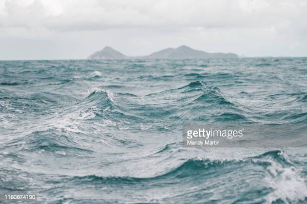 ocean chop - tourboat stock pictures, royalty-free photos & images
