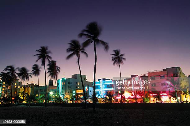 ocean drive at night - south beach stock pictures, royalty-free photos & images