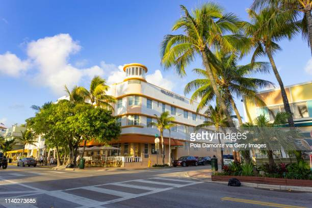 ocean drive daylight scene at south beach, miami, usa. - miami foto e immagini stock