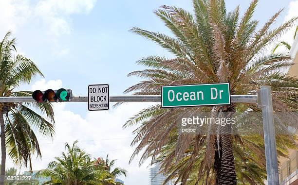 nome di strada ocean drive, miami, florida, stati uniti - miami beach foto e immagini stock