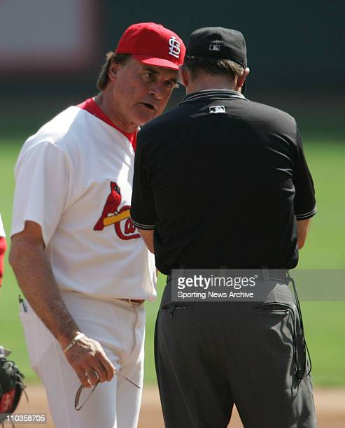 Oct 04 2005 St Louis MO USA Cards manager TONY LARUSSA argues with umpire BILL HOHN during the San Diego Padres at the St Louis Cardinals game on Oct...
