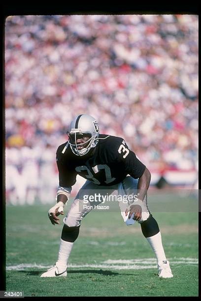 Defensive back Lester Hayes of the Los Angeles Raiders prepares for action during a game at the Los Angeles Memorial Coliseum in Los Angeles...