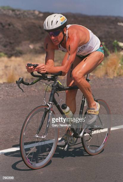 DAVE SCOTT OF THE USA IN ACTION DURING THE CYCLING PORTION OF THE GATORADE IRONMAN TRIATHLON IN KONA, HAWAII. SCOTT, A SIX-TIME WINNER OF THE EVENT,...