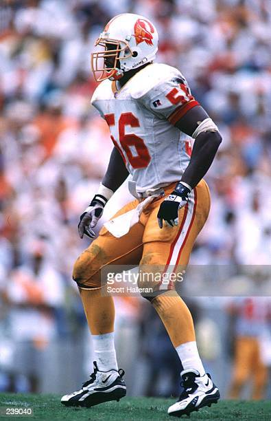 Middle linebacker Hardy Nickerson of the Tampa Bay Buccaneers in action during the Bucs 2317 victory over the Minnesota Vikings at Tampa Stadium in...