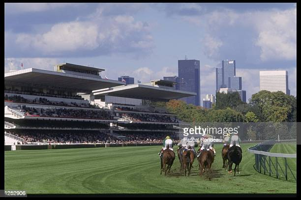 A general view as the horses round the final bend during the Arc De Triomphe at Longchamp racecourse in Paris France Mandatory Credit Pascal...