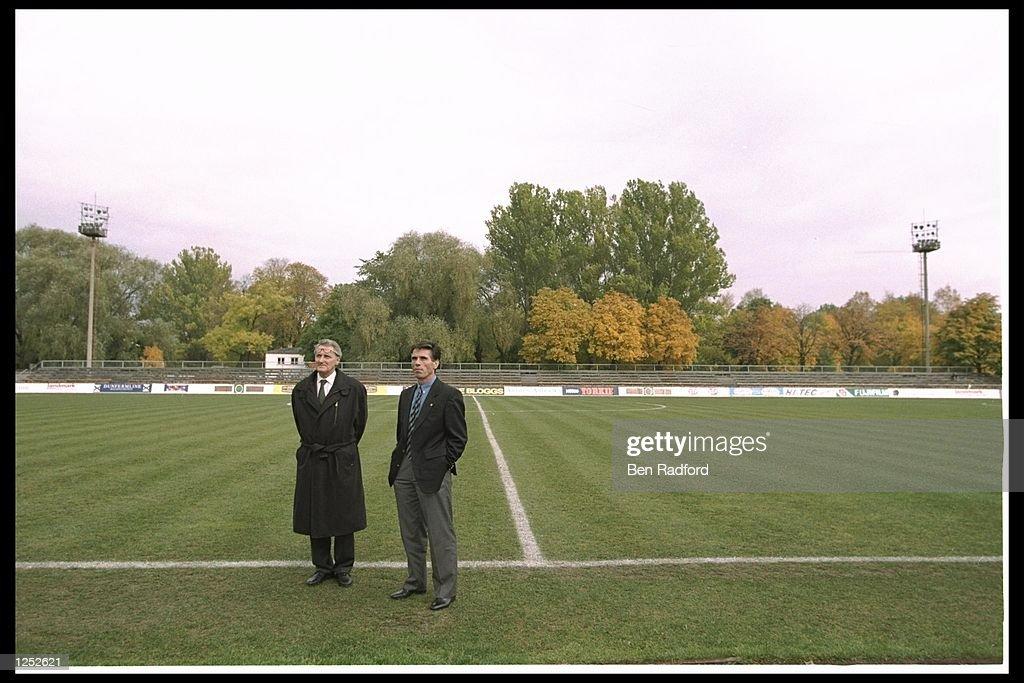 Jean-Marie Gantendein stands (FIFA delegate) with Miroslav Radoman : Photo d'actualité
