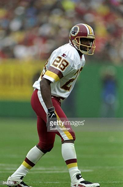 Cornerback Darrell Green of the Washington Redskins in action during a game against the Dallas Cowboys at the Jack Kent Cooke Stadium in Raljon,...