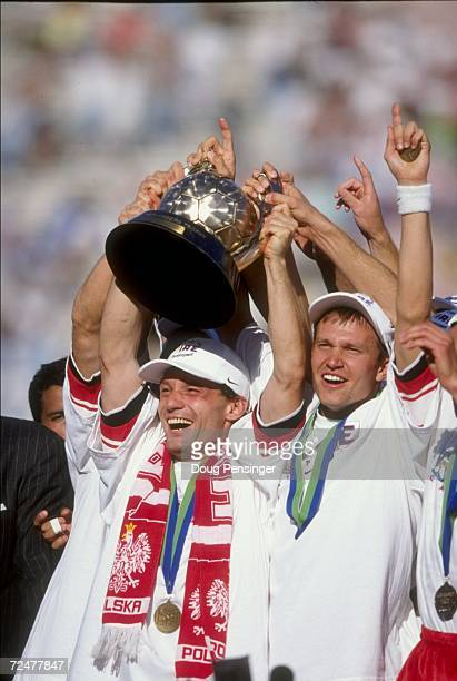 Peter Nowak of the Chicago Fire celebrates with teammates following the 1998 MLS Cup against the DC United at the Rose Bowl in Pasadena, California....