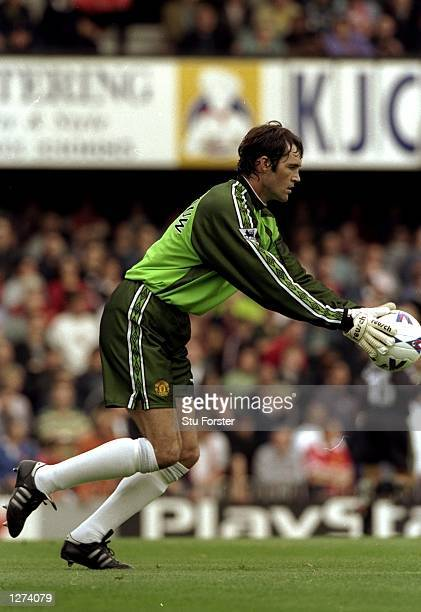 Raimond Van Der Gouw of Manchester United in action during the FA Carling Premiership match against Manchester United at The Dell in Southampton...