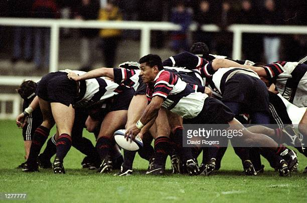 Tu Nu''uli''itia of West Hartlepool feeds his backs during the Allied Dunbar Premiership match against Newcastle at Victoria Park in Hartlepool...