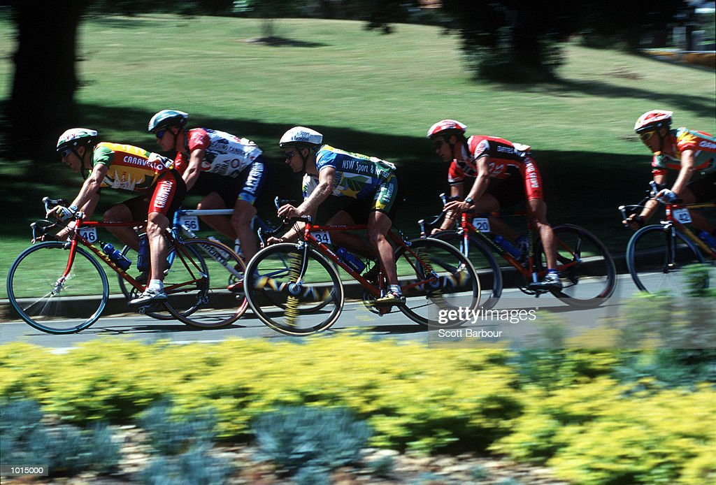 Cyclists round the corner during the 1999 Commonwealth Bank cycle classic at Centennial Park, Sydney, Australia. Mandatory Credit: Scott Barbour/ALLSPORT