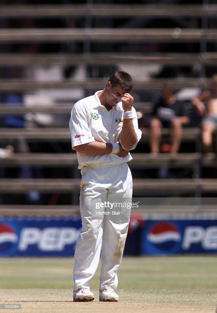 Heath Streak of Zimbabwe shows his frustration during Australia's innings, during day three of the one off test match between Zimbabwe and Australia at Harare Sports Club, Harare, Zimbabwe.X Mandatory Credit: Hamish Blair/ALLSPORT