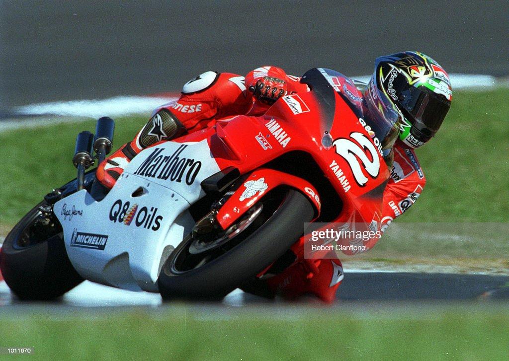 Marlboro Yamahai 500cc rider, Max Biaggi of Italy cranks his bike over at Honda corner during practice today for the 1999 Australian Motorbike Grand Prix at Phillip Island, Victoria, Australia . Mandatory Credit: Robert Cianflone/ALLSPORT