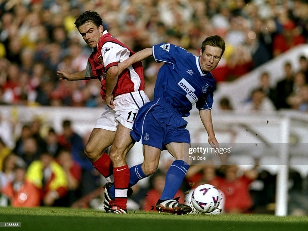 Nick Barmby and Marc Overmars : News Photo