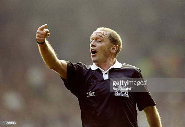 Referee Mike Reed in charge of the FA Carling Premiership match between Liverpool and Chelsea at Anfield in Liverpool Liverpool won 10 Mandatory...
