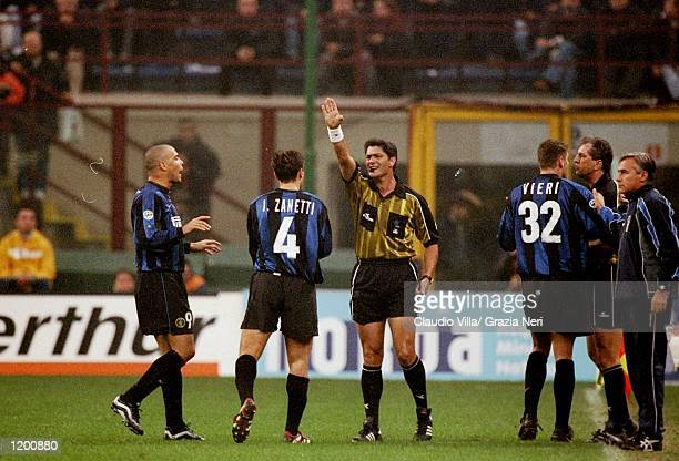 Ronaldo of Inter Milan is sent off against AC Milan during the Serie A match at the San Siro in Milan Italy Mandatory Credit Claudio Villa /Allsport