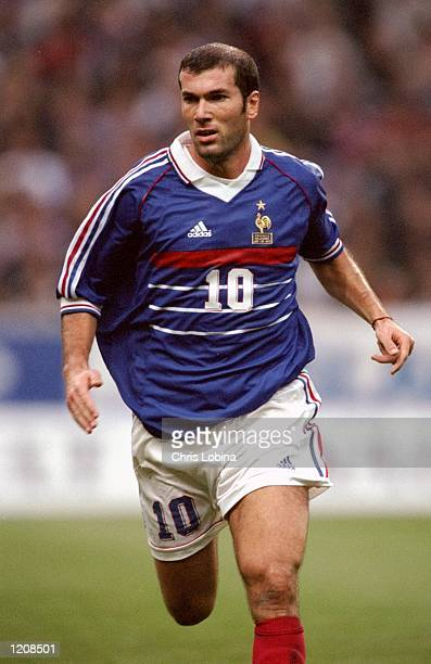 Zinedine Zidane of France during the Euro 2000 qualifier against Iceland at the Stade de France in St Denis, France. \ Mandatory Credit: Chris Lobina...