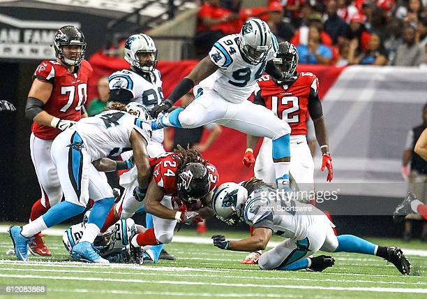 Atlanta Falcons running back Devonta Freeman in action during the fourth quarter of the NFL game between the Carolina Panthers and the Atlanta...